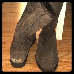 UGG Boots (brown) - Size 10